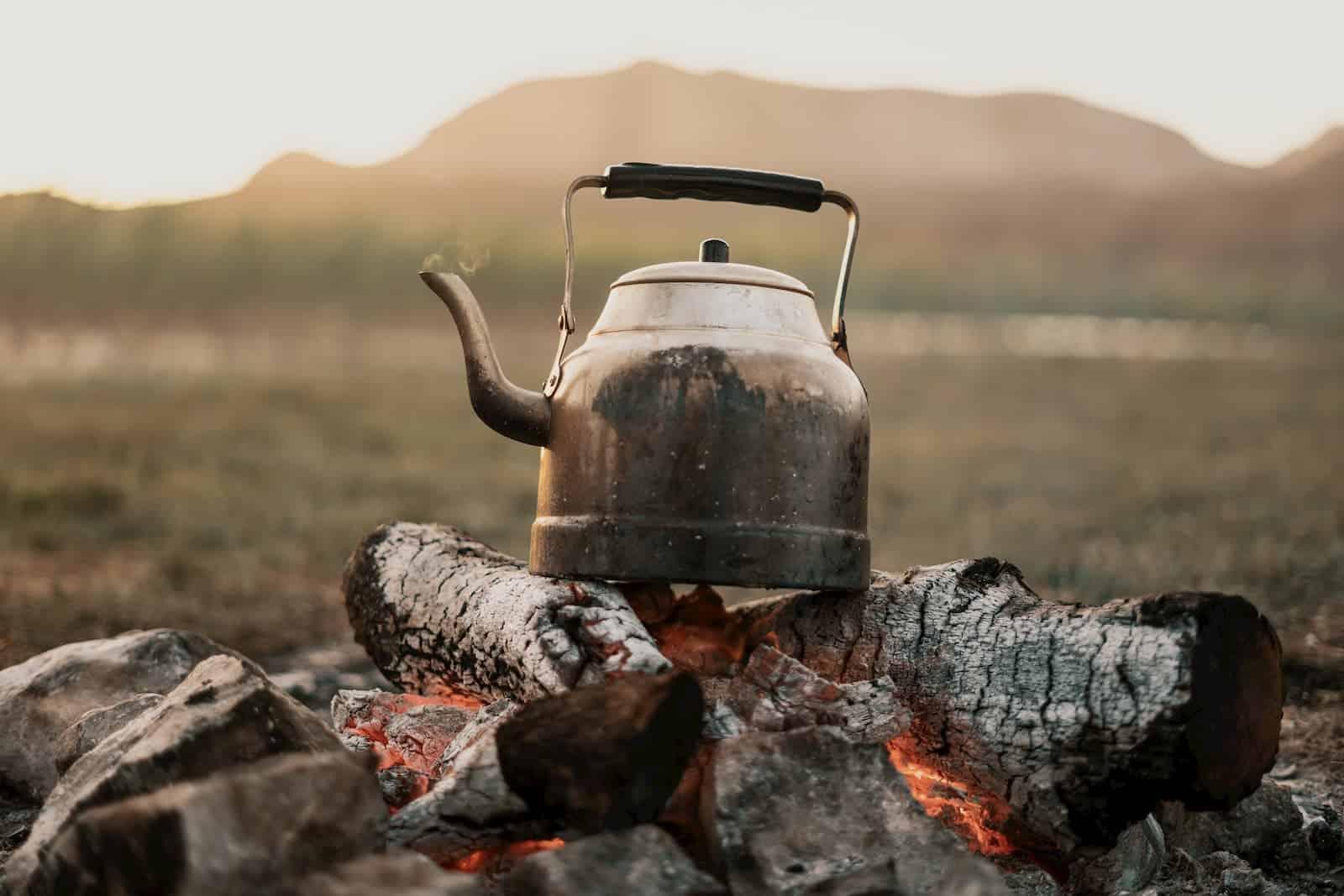 esquentando água pro café