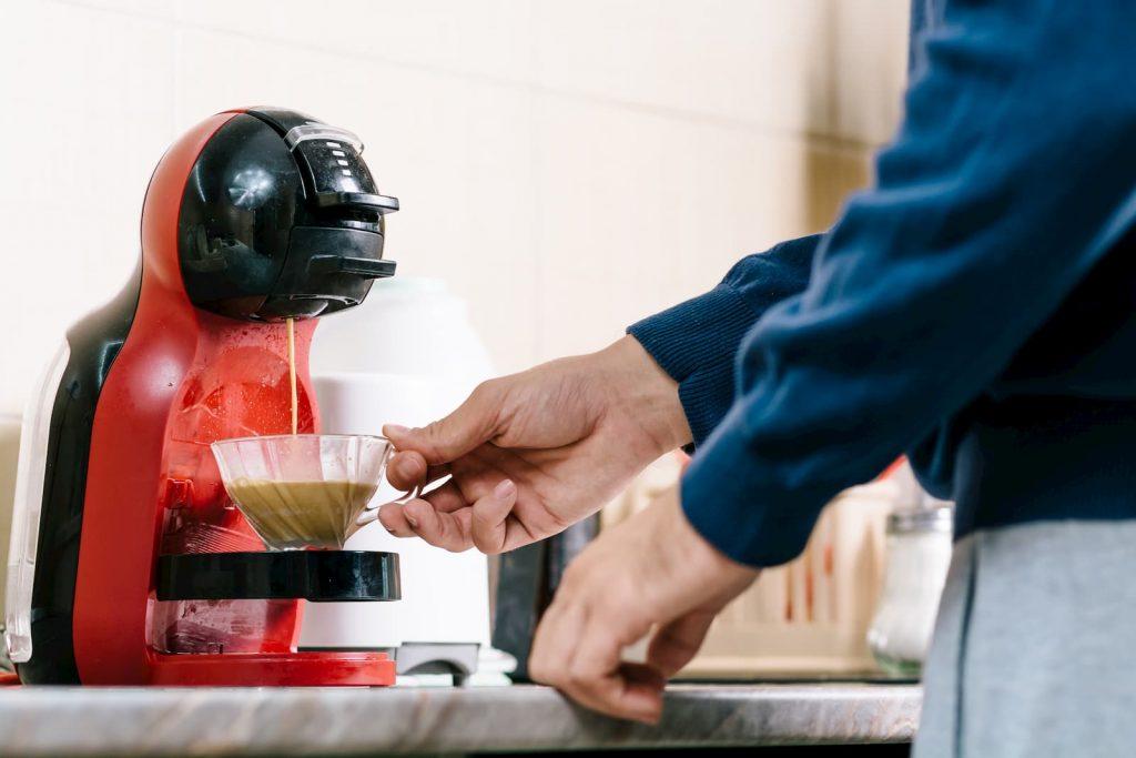 Como Descalcificar Cafeteira